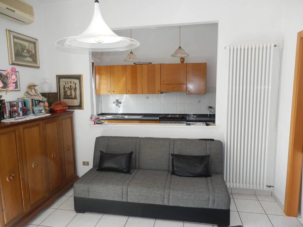 Appartamento in Vendita a Cascina Centro: 3 locali, 70 mq