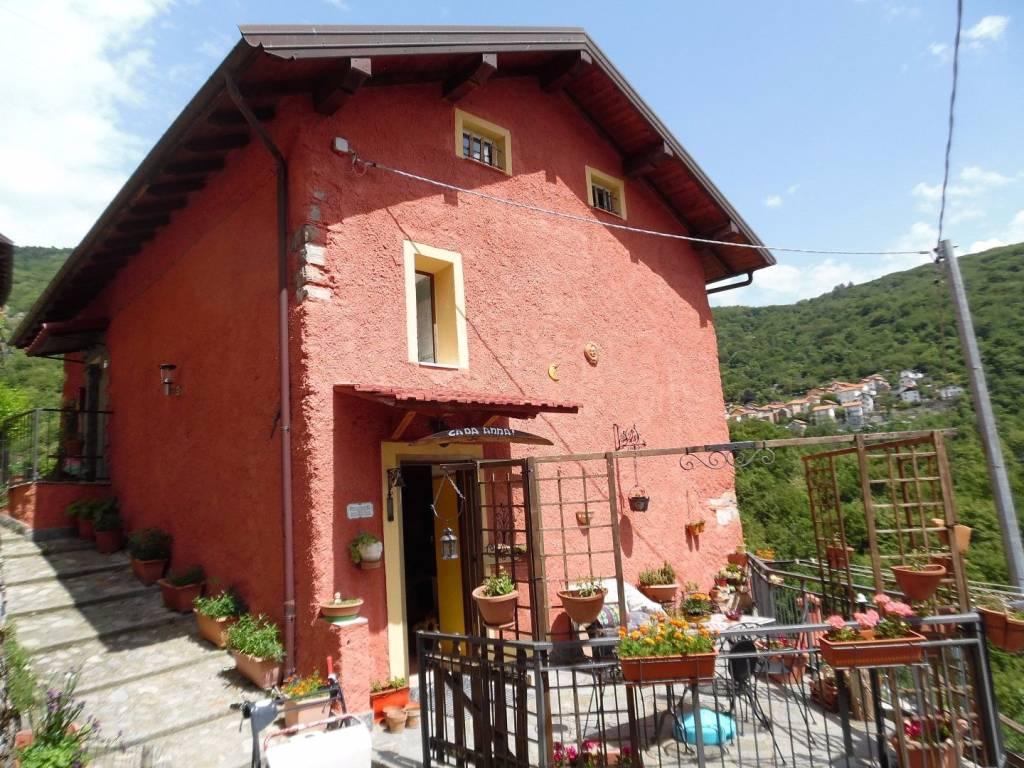 Foto 1 di Rustico / Casale via Caselline, frazione Caselline, Valbrevenna