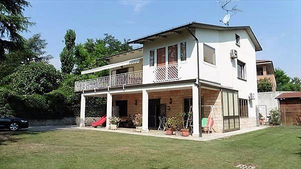 Villa in vendita a Monte San Pietro, 5 locali, prezzo € 550.000 | Cambio Casa.it