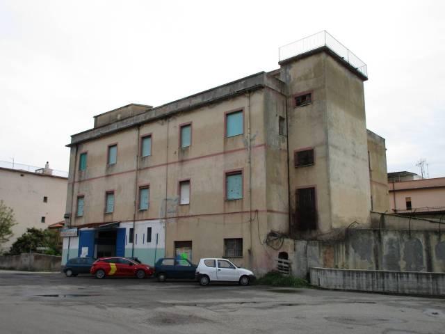 Palazzo-stabile Vendita Vibo Valentia
