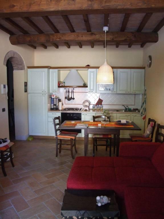 Appartamento in ottime condizioni arredato in vendita Rif. 8112142
