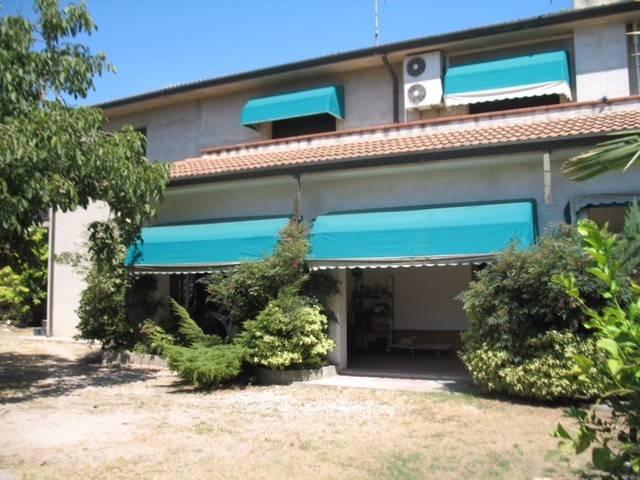 Villa in buone condizioni in vendita Rif. 4464018