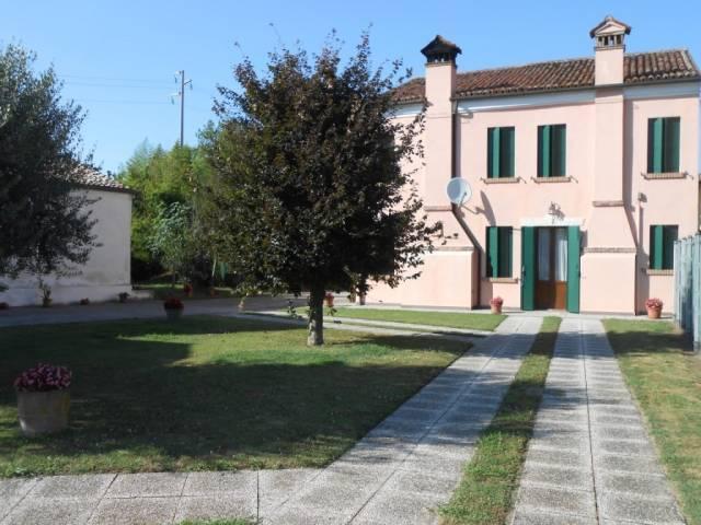 Villa in ottime condizioni in vendita Rif. 4261116