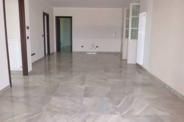 Appartamento in vendita a Cherasco, 5 locali, prezzo € 300.000 | CambioCasa.it