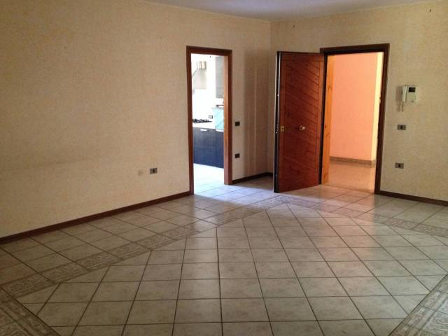 Appartamento in ottime condizioni parzialmente arredato in vendita Rif. 4862738