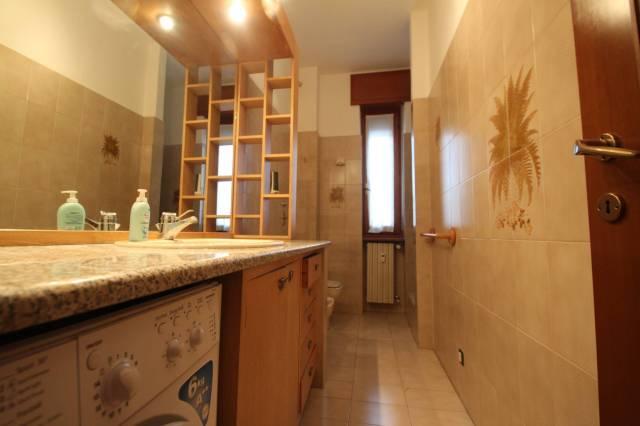 Bilocale Milano Via Privata Delle Primule 6