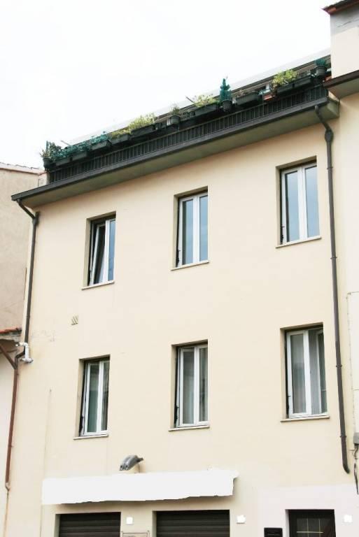 Casa indipendente in Vendita a Arezzo: 5 locali, 360 mq