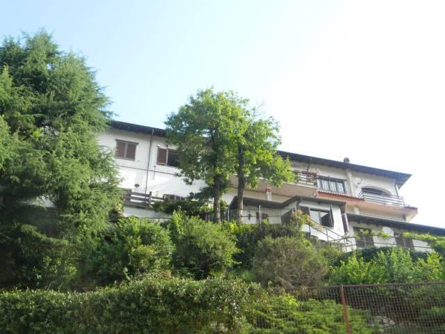Appartamento in buone condizioni arredato in vendita Rif. 4937919