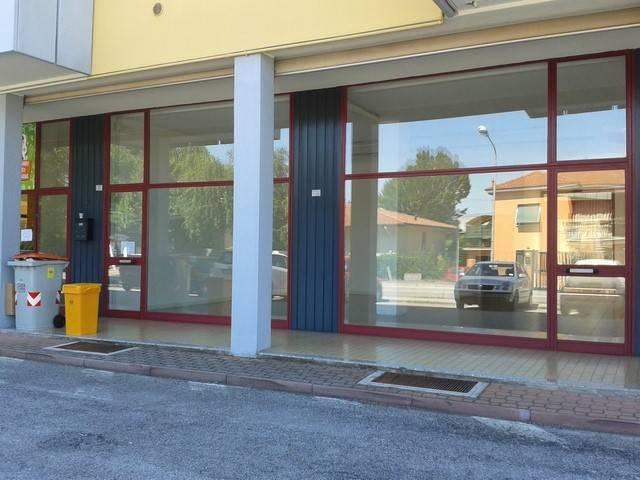 Negozio / Locale in affitto a Sacile, 1 locali, prezzo € 550 | CambioCasa.it