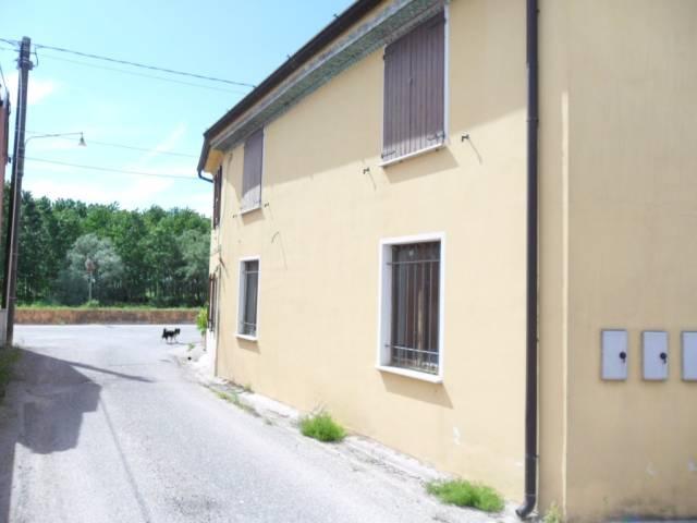 Appartamento in ottime condizioni arredato in vendita Rif. 4879059