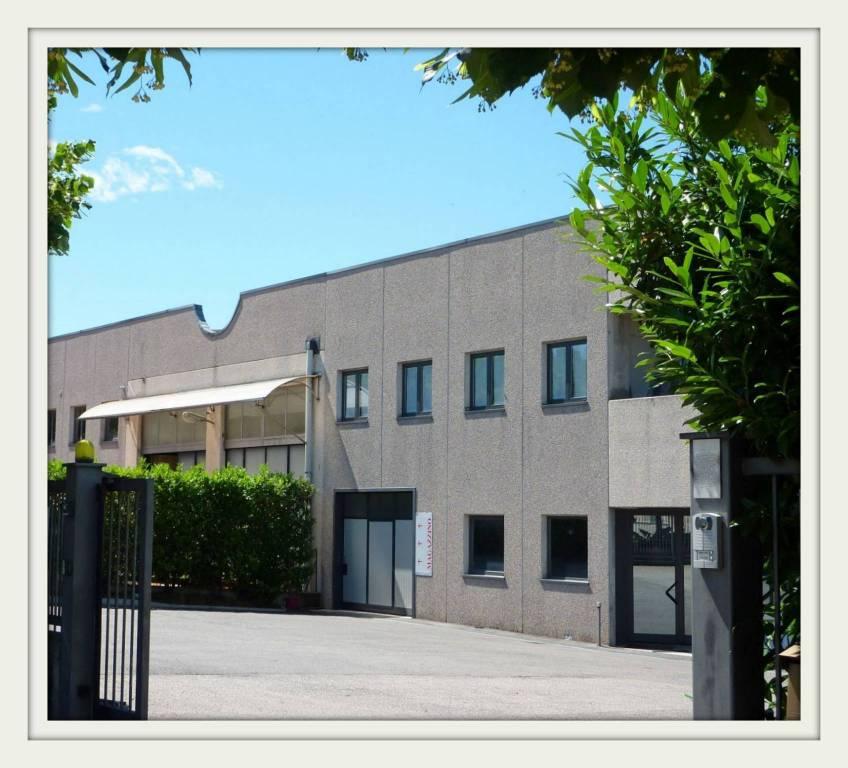 Ufficio bilocale in vendita a Binago (CO)