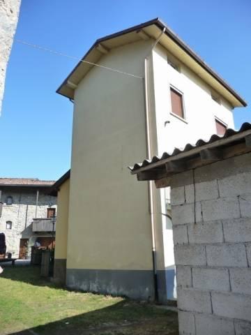 Soluzione Indipendente in vendita a San Giovanni Bianco, 3 locali, prezzo € 69.000 | CambioCasa.it