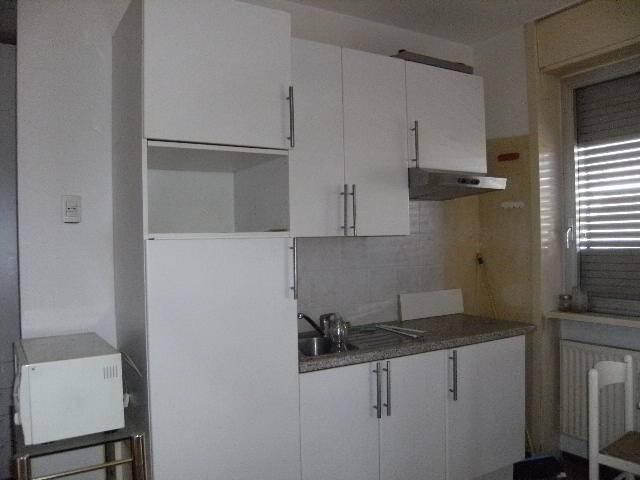 Appartamento in buone condizioni arredato in affitto Rif. 8923903