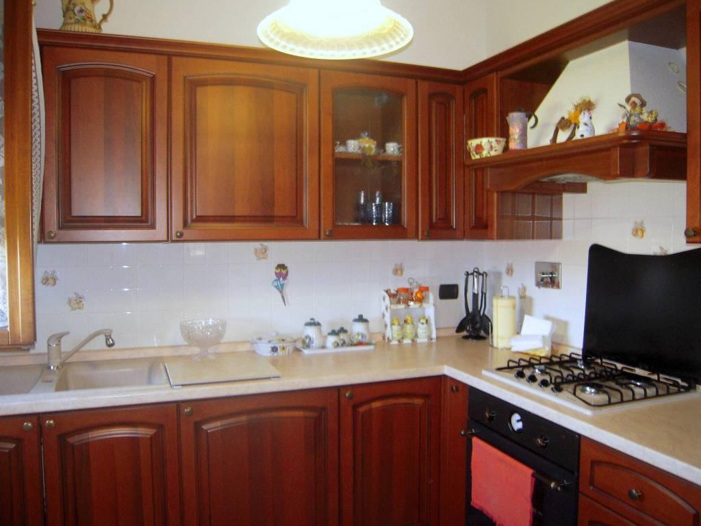 Appartamento in ottime condizioni arredato in vendita Rif. 7610736