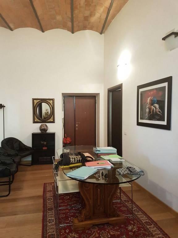 Appartamento in ottime condizioni arredato in vendita Rif. 8778372