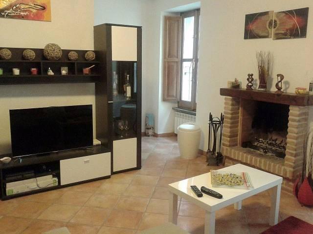 Stabile trilocale in affitto a Rieti (RI)