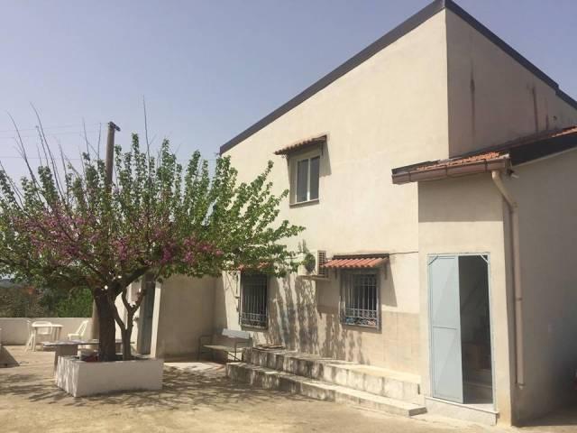 Villa 6 locali in vendita a Canicatt (AG)