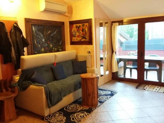 Casa Indipendente in buone condizioni in vendita Rif. 4290027