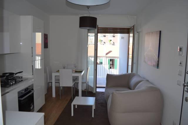 Appartamento in vendita 3 vani 62 mq.  via Bessarione 30 Milano