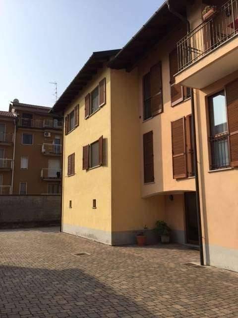 Appartamento in buone condizioni in vendita Rif. 8829790