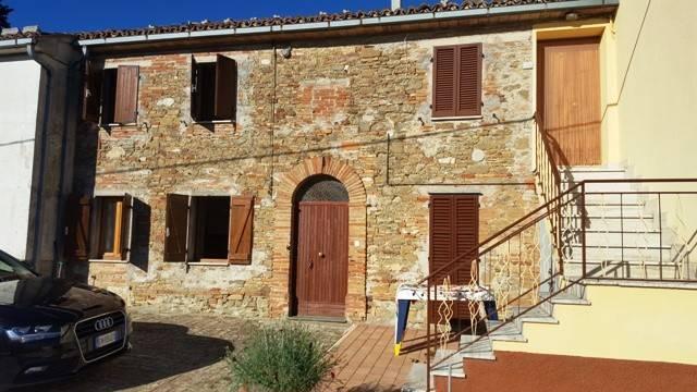 Casa Indipendente in buone condizioni in vendita Rif. 4375134