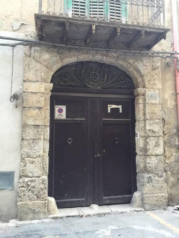 Stabile / Palazzo in buone condizioni in vendita Rif. 8719768