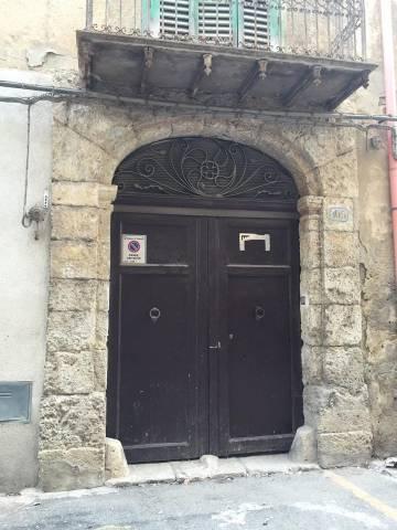 Stabile 6 locali in vendita a Canicatt (AG)