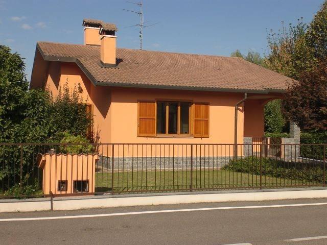 Villa in vendita a Albuzzano, 3 locali, prezzo € 270.000   CambioCasa.it