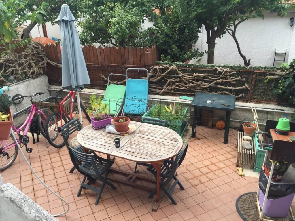 Appartamento in ottime condizioni arredato in affitto Rif. 8411951