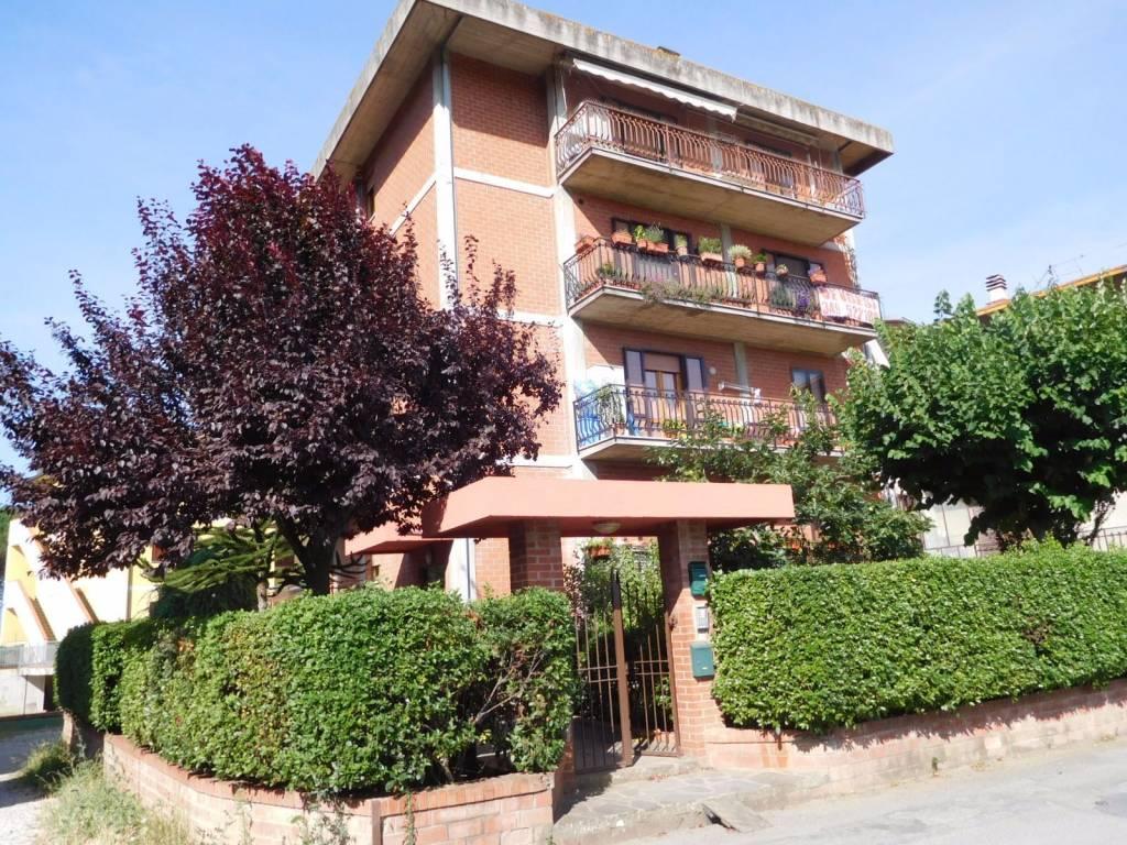 Appartamento in vendita a Città della Pieve, 4 locali, prezzo € 145.000   CambioCasa.it