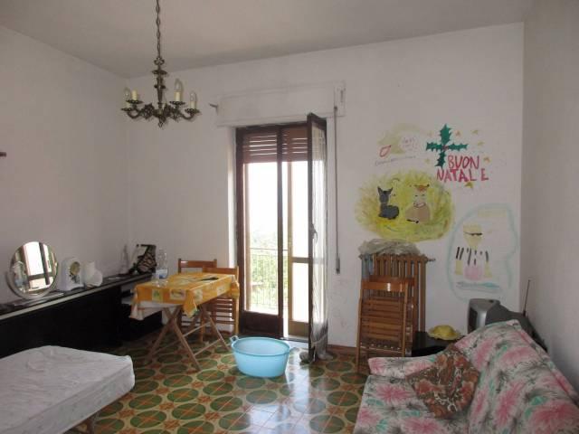Appartamento quadrilocale in vendita a San Gregorio d'Ippona (VV)