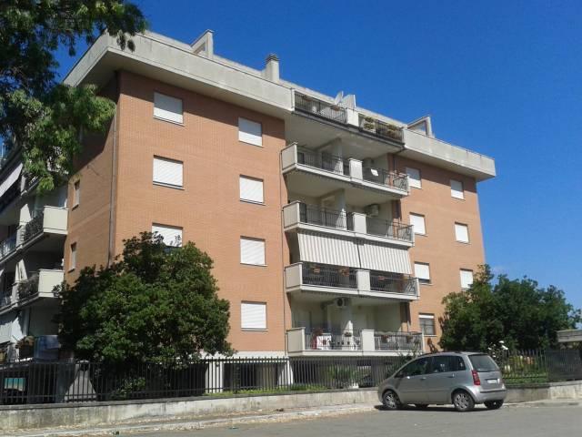 Appartamento in buone condizioni in vendita Rif. 4963647