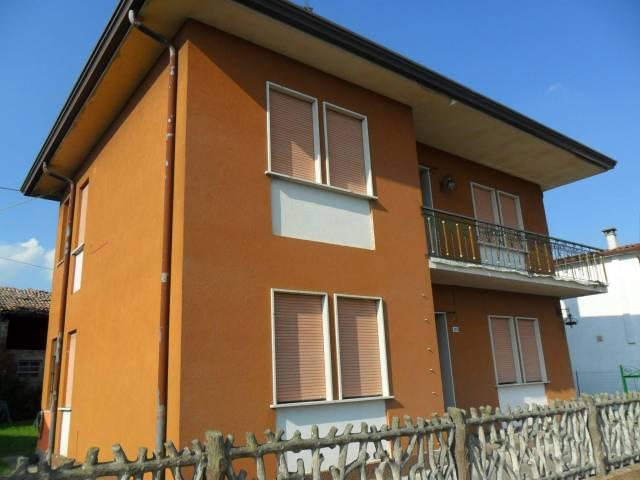 Villa in buone condizioni in vendita Rif. 4340805