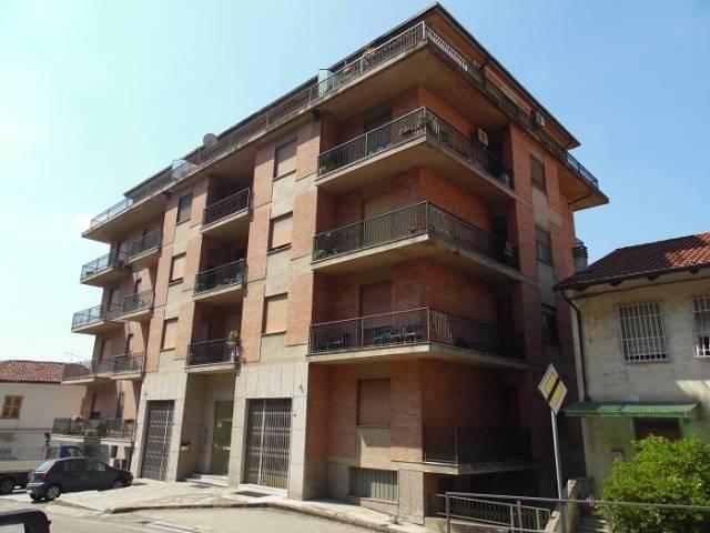 Appartamento in buone condizioni in vendita Rif. 5029259