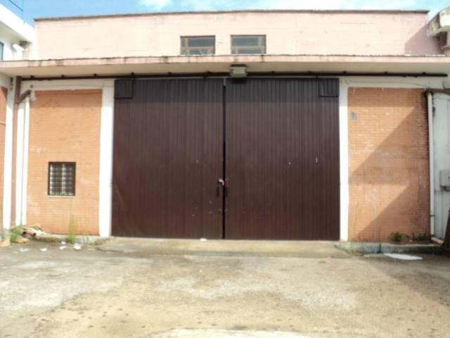 Magazzino - capannone in affitto Rif. 5223765