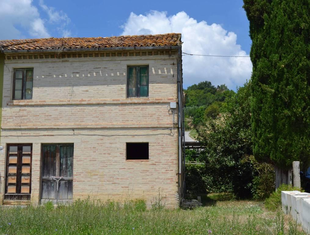 Rustico / Casale da ristrutturare in vendita Rif. 4482530