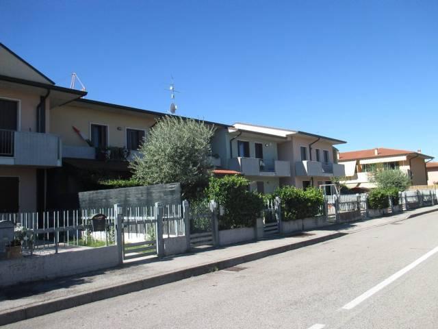 Bilocale Castelnuovo del Garda Via Alberto Montini 9