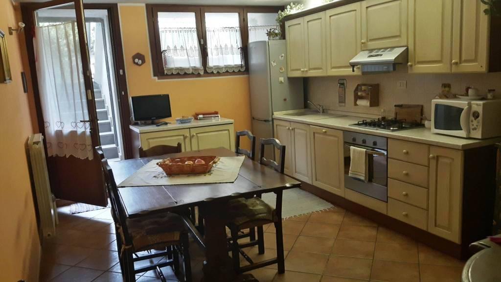 Villa in ottime condizioni parzialmente arredato in vendita Rif. 8440806