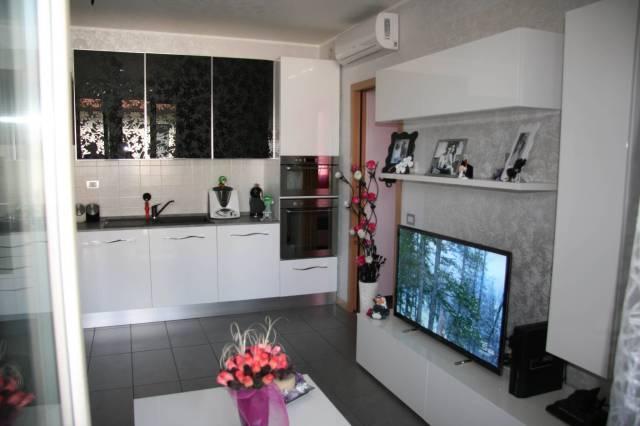 Appartamento in ottime condizioni in vendita Rif. 5061462