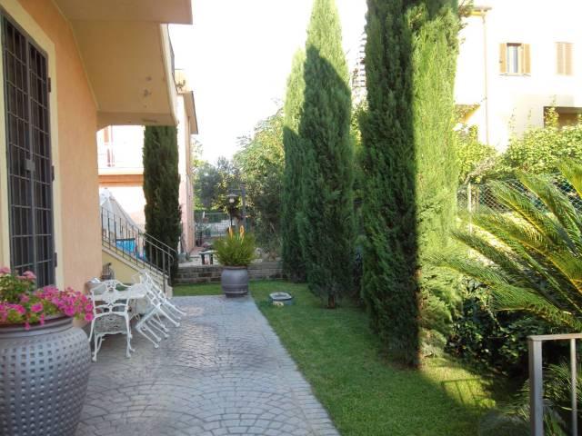 Appartamento in ottime condizioni parzialmente arredato in affitto Rif. 6290901