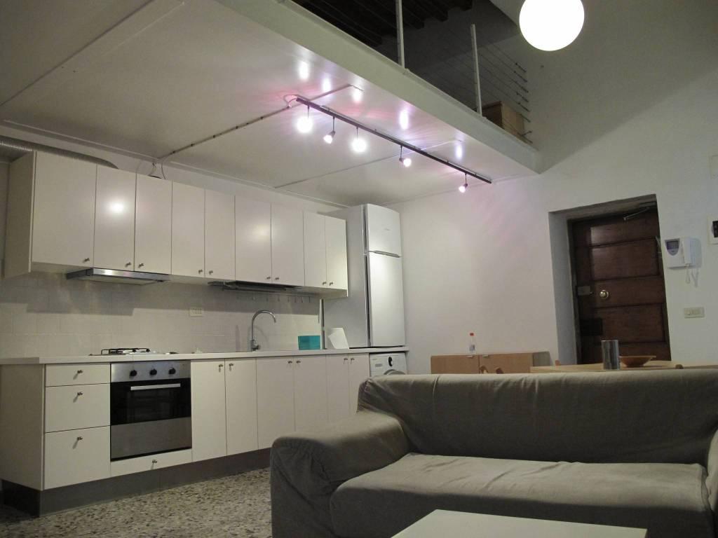 Appartamento in Affitto a Pistoia Centro:  2 locali, 60 mq  - Foto 1