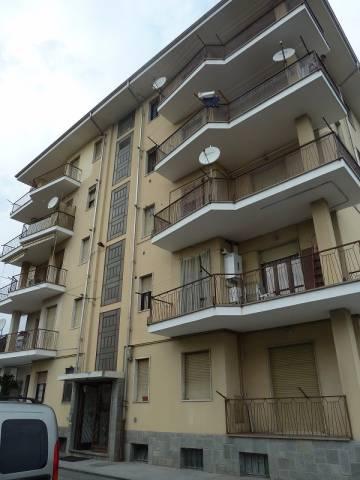 Appartamento in buone condizioni in affitto Rif. 5030909