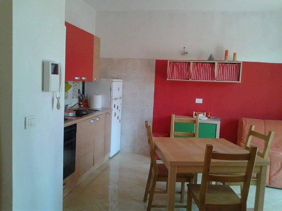 Appartamento in buone condizioni arredato in vendita Rif. 9140350