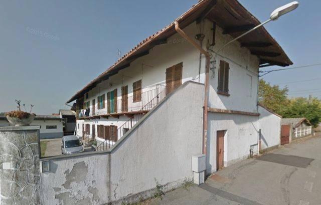 Attività / Licenza in vendita a Chivasso, 6 locali, prezzo € 130.000   CambioCasa.it