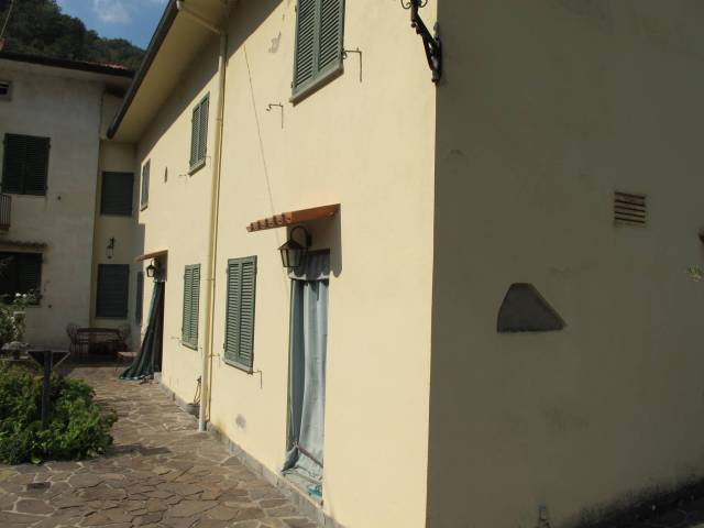 Rustico / Casale in vendita a Pistoia, 6 locali, prezzo € 145.000   Cambio Casa.it