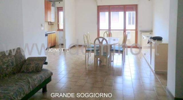 Appartamento in ottime condizioni parzialmente arredato in vendita Rif. 4855755