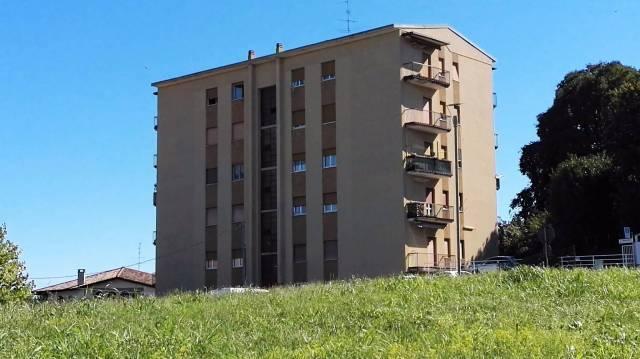 Appartamento in vendita a Cardano al Campo, 2 locali, prezzo € 68.000 | CambioCasa.it