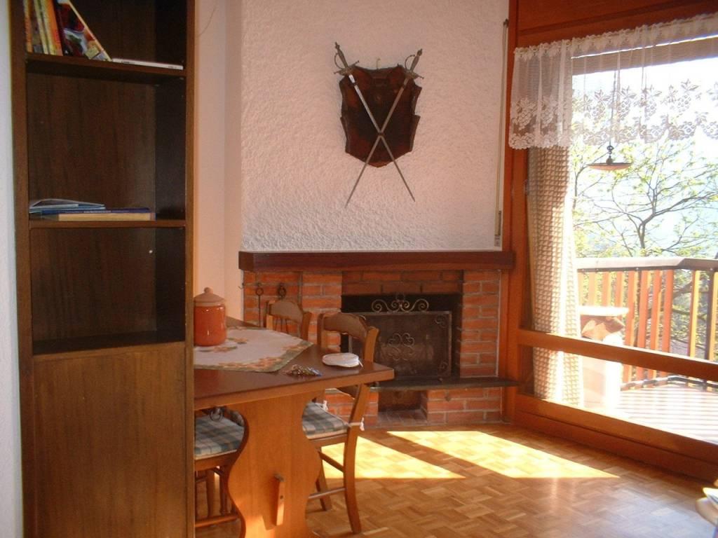 Appartamento in buone condizioni arredato in vendita Rif. 7847697