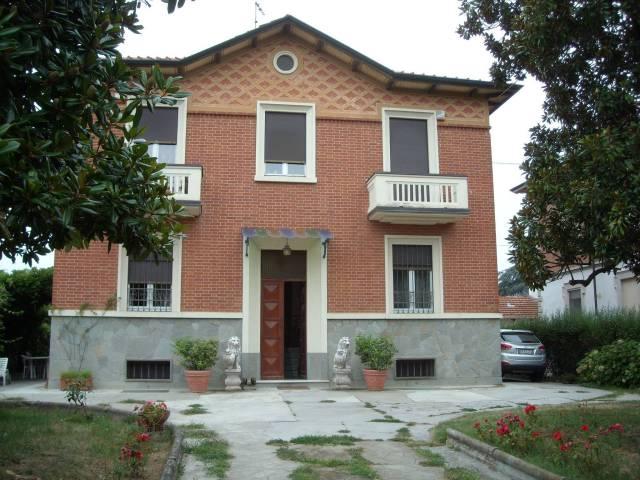 Villa in vendita a Valfenera (AT)