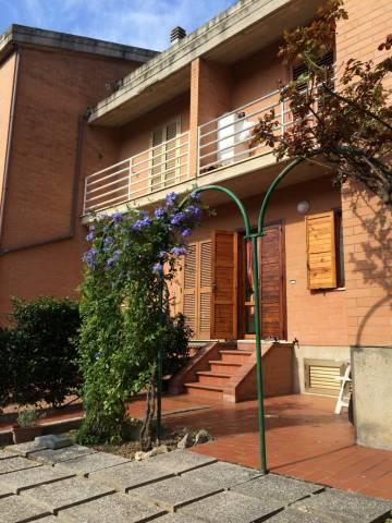 Appartamento in buone condizioni in vendita Rif. 4244590